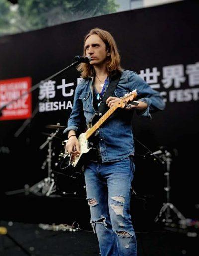 Robertas Semeniukas (Zhuhai, China)
